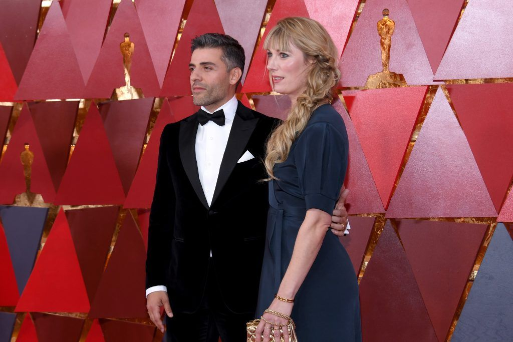 HOLLYWOOD, CA - MARCH 04:  Actors Oscar Isaac (L) and Elvira Lind attend the 90th Annual Academy Awards at Hollywood & Highland Center on March 4, 2018 in Hollywood, California.  (Photo by Kevork Djansezian/Getty Images)