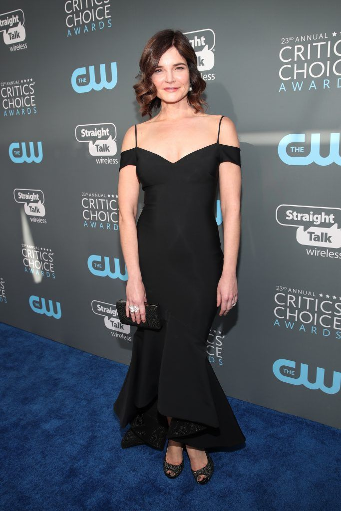 Betsy Brandt attends The 23rd Annual Critics' Choice Awards at Barker Hangar on January 11, 2018 in Santa Monica, California.  (Photo by Christopher Polk/Getty Images for The Critics' Choice Awards  )