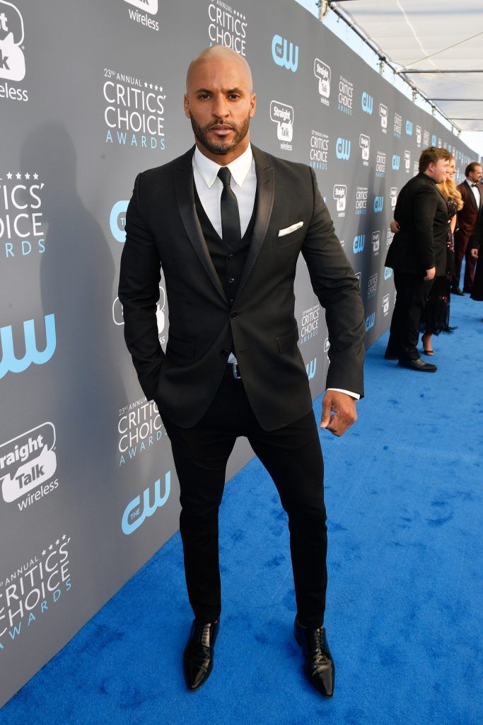 SANTA MONICA, CA - JANUARY 11:  Actor Ricky Whittle attends The 23rd Annual Critics' Choice Awards at Barker Hangar on January 11, 2018 in Santa Monica, California.  (Photo by Matt Winkelmeyer/Getty Images for The Critics' Choice Awards  )