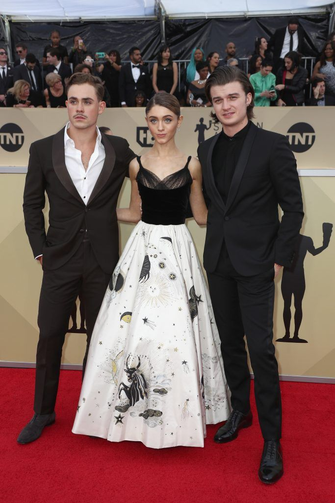 LOS ANGELES, CA - JANUARY 21:  (L-R) Actors Dacre Montgomery, Natalia Dyer and Joe Keery attend the 24th Annual Screen Actors Guild Awards at The Shrine Auditorium on January 21, 2018 in Los Angeles, California. 27522_017  (Photo by Frederick M. Brown/Getty Images)