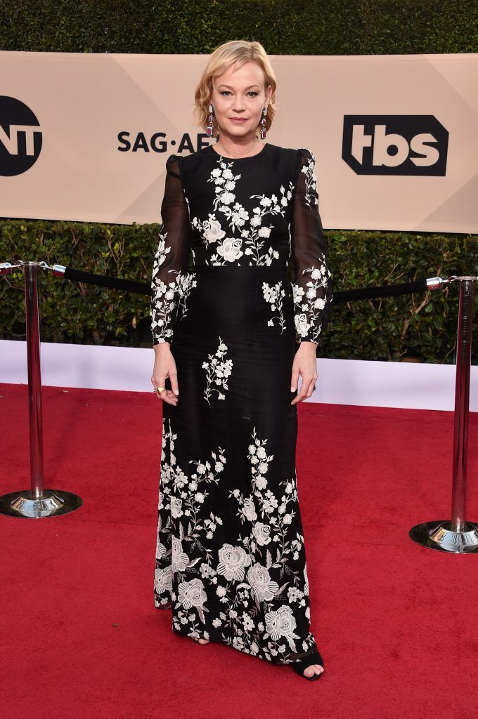 LOS ANGELES, CA - JANUARY 21:  Actor Samantha Mathis attends the 24th Annual Screen Actors Guild Awards at The Shrine Auditorium on January 21, 2018 in Los Angeles, California. 27522_006  (Photo by Alberto E. Rodriguez/Getty Images)