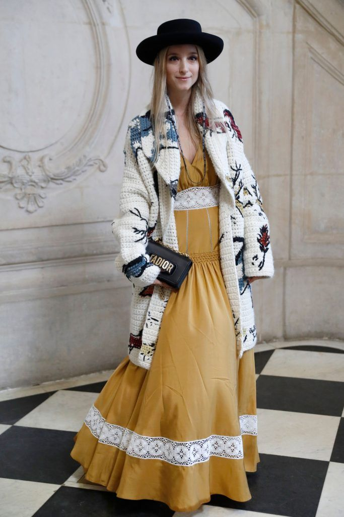 Dutch fashiom blogger Charlotte Groeneveld poses for a photocall prior to the Christian Dior's fashion show during the 2018 spring/summer Haute Couture collection on January 22, 2018 in Paris. (Photo by PATRICK KOVARIK/AFP/Getty Images)