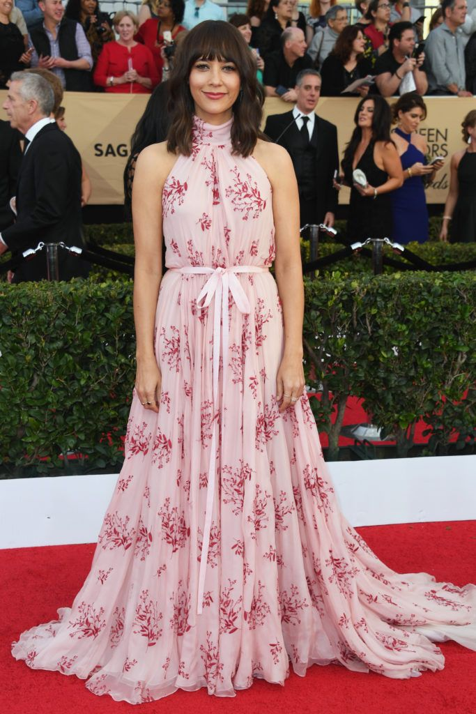 LOS ANGELES, CA - JANUARY 29:  Actor Rashida Jones attends the 23rd Annual Screen Actors Guild Awards at The Shrine Expo Hall on January 29, 2017 in Los Angeles, California.  (Photo by Alberto E. Rodriguez/Getty Images)