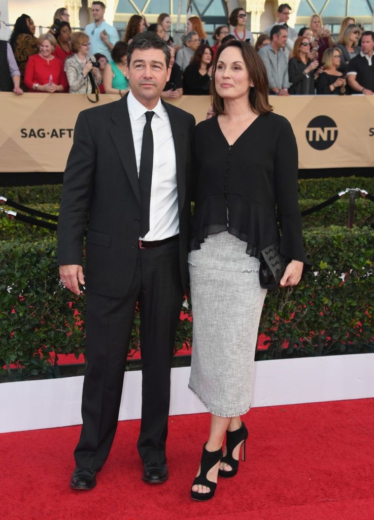 LOS ANGELES, CA - JANUARY 29:  Actor Kyle Chandler and Kathryn Chandler attend the 23rd Annual Screen Actors Guild Awards at The Shrine Expo Hall on January 29, 2017 in Los Angeles, California.  (Photo by Alberto E. Rodriguez/Getty Images)