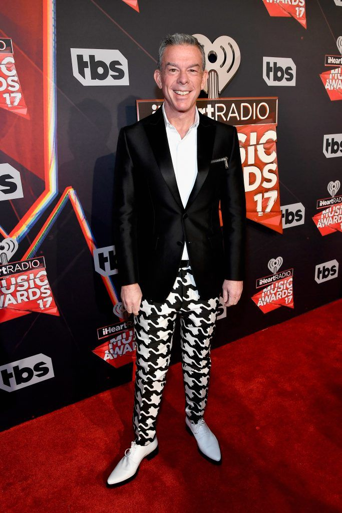 Radio personality Elvis Duran attends the 2017 iHeartRadio Music Awards which broadcast live on Turner's TBS, TNT, and truTV at The Forum on March 5, 2017 in Inglewood, California.  (Photo by Frazer Harrison/Getty Images for iHeartMedia)