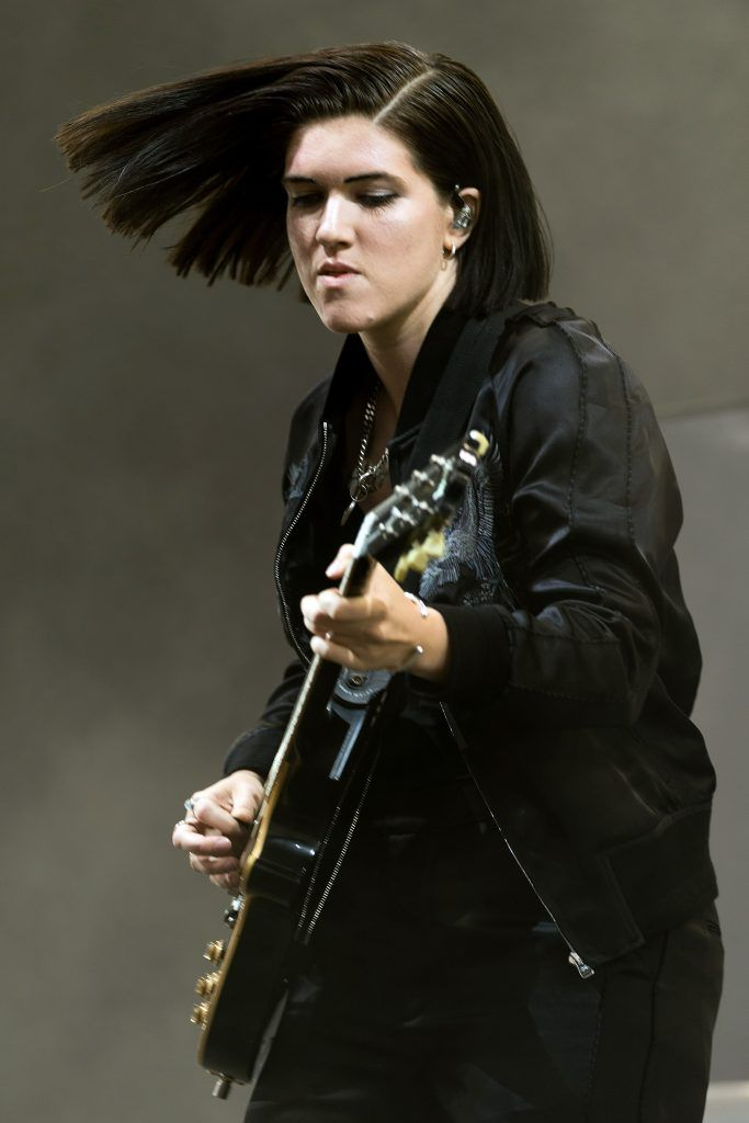 Romy Madley Croft of the XX performs on day 2 of the Glastonbury Festival 2017 at Worthy Farm, Pilton on June 23, 2017 in Glastonbury, England.  (Photo by Ian Gavan/Getty Images)
