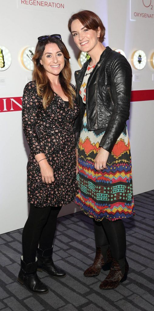 Aisling Powell and Odharnait Kiernan at the unveil of the 8th Generation of Clarins Double Serum at the Marker Hotel, Dublin. Photo by Brian McEvoy Photography