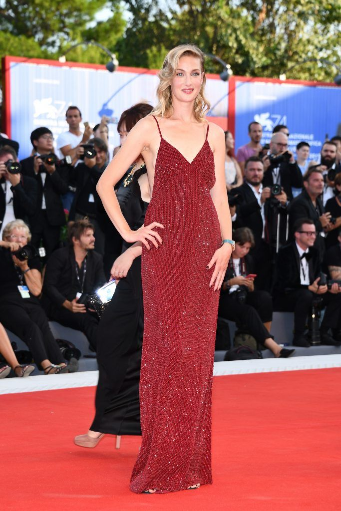 Eva Riccobono walks the red carpet ahead of the 'Downsizing' screening and Opening Ceremony during the 74th Venice Film Festival at Sala Grande on August 30, 2017 in Venice, Italy.  (Photo by Pascal Le Segretain/Getty Images)