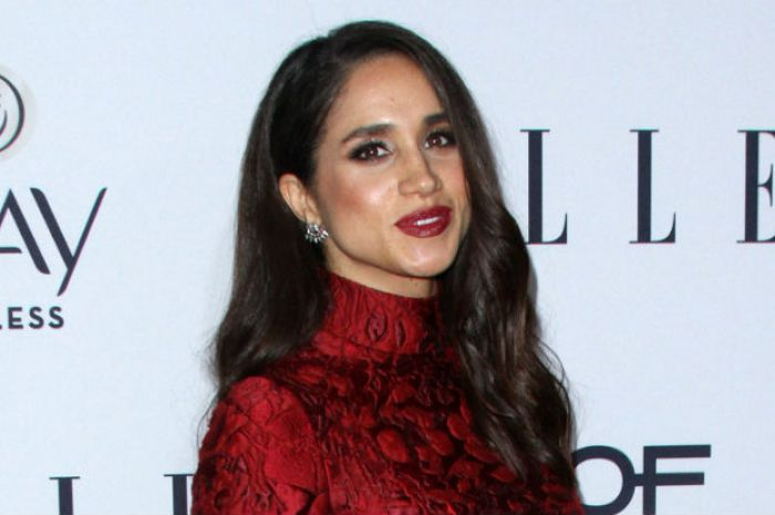671f922650 How to steal Meghan Markle s cosy but chic winter style