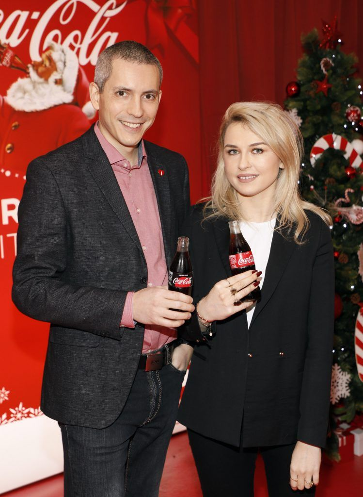 Petre Șandru and Emma Williams at Coca-Cola's #wrappedwithlove pop-up shop launch on 6th December 2017 at 57 South William Street, Dublin 2-photo Kieran Harnett