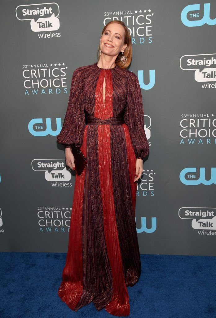 SANTA MONICA, CA - JANUARY 11:  Actor Leslie Mann attends The 23rd Annual Critics' Choice Awards at Barker Hangar on January 11, 2018 in Santa Monica, California.  (Photo by Christopher Polk/Getty Images for The Critics' Choice Awards  )