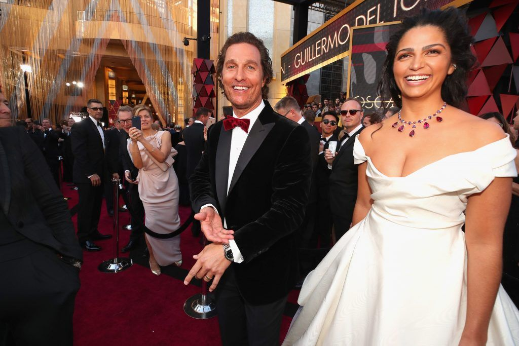 HOLLYWOOD, CA - MARCH 04:  Matthew McConaughey (L) and Camila Alves attend the 90th Annual Academy Awards at Hollywood & Highland Center on March 4, 2018 in Hollywood, California.  (Photo by Christopher Polk/Getty Images)