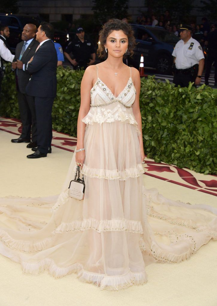 NEW YORK, NY - MAY 07:  Selena Gomez attends the Heavenly Bodies: Fashion & The Catholic Imagination Costume Institute Gala at The Metropolitan Museum of Art on May 7, 2018 in New York City.  (Photo by Neilson Barnard/Getty Images)
