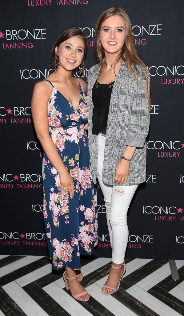 Alicia Kehoe and Sinead Donovan at the Iconic Bronze Extra Dark Tan launch at the Ivy Garden Hotel, Dublin. Picture: Brian McEvoy