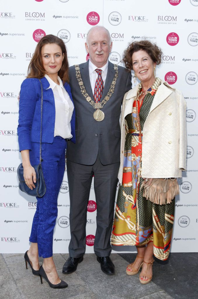 Louise Lynn with Lord Mayor of Dublin Councillor Nial Ring and Elain Brennan at Dublin Fashion 2018: The Collective. Showcasing the latest trends for the season ahead from leading stores across Dublin city centre. Picture Andres Poveda
