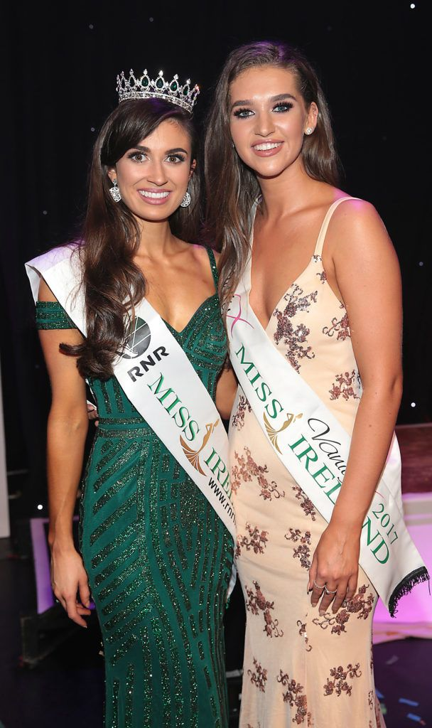 Aoife O Sullivan from Ballinadee, Kinsale, Cork (left) who was crowned Miss Ireland 2018 pictured with Lauren McDonagh -Miss Ireland 2017 at the grand final of Miss Ireland 2018. Photo by Brian McEvoy
