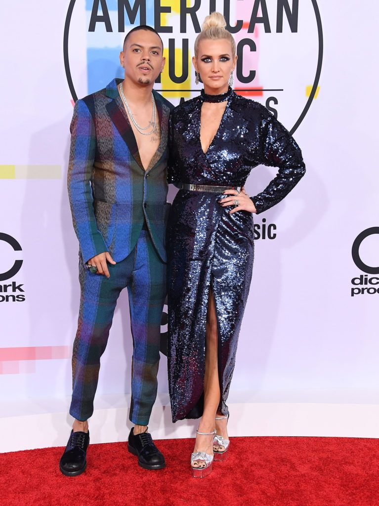Evan Ross, Ashlee Simpson arrives at the 2018 American Music Awards at Microsoft Theater on October 9, 2018 in Los Angeles, California.  (Photo by Steve Granitz/WireImage)