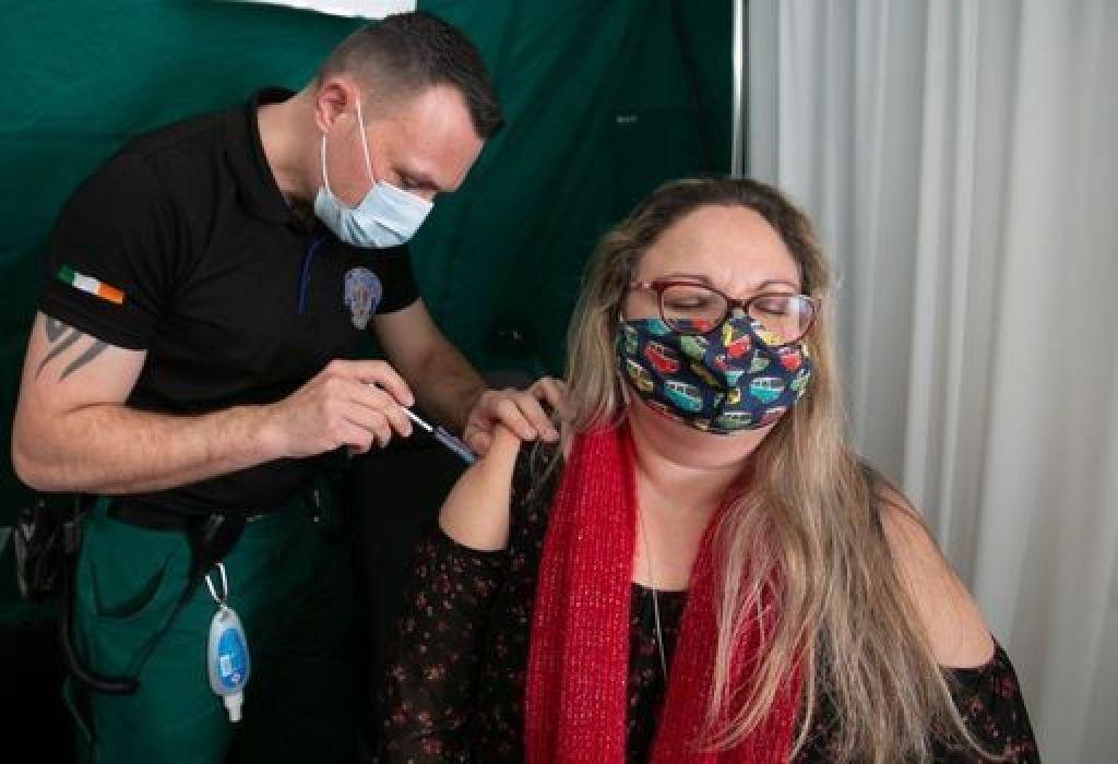 Community vaccination will begin in February, despite supply disruptions