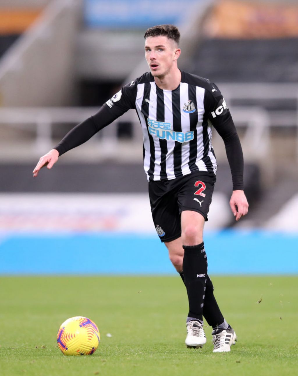 Irish Newcastle defender Ciaran Clark signs new two-year deal