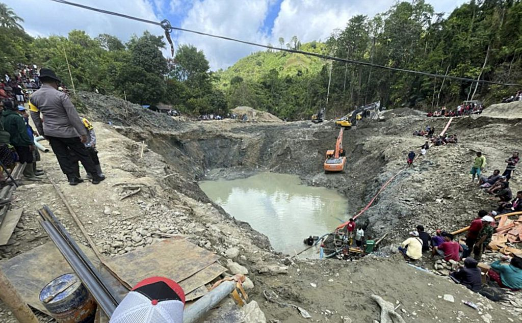 , [:en]Six killed as unlawful gold mine collapses in Indonesia[:], Laban Juan