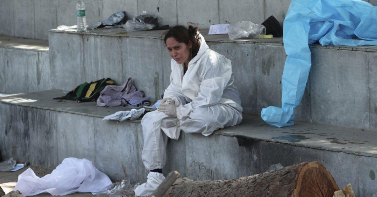 India records 368,000 new coronavirus cases as catastrophic surge continues