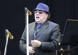 Van Morrison Joined On Stage By Ian Paisley For Chant Against North's Health Minister