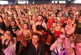 Entertainment Representatives Call For 100% Capacity For Vaccinated Patrons