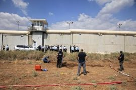 Israeli Police Catch Two Palestinians Who Broke Out Of Prison
