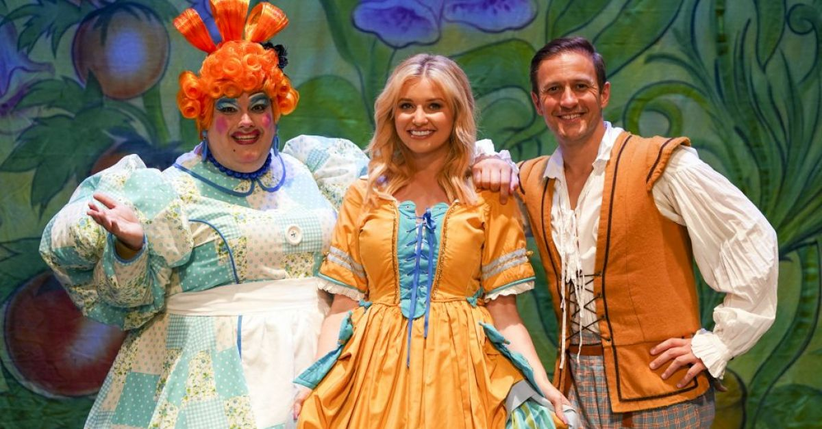 Love Island's Amy Hart excited for 'again to regular' Christmas Panto | BreakingNews.ie