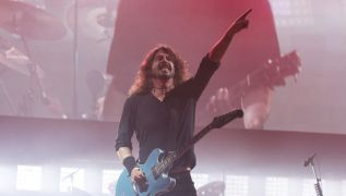 Dave Grohl Discusses Rift With Father Over Career In Music