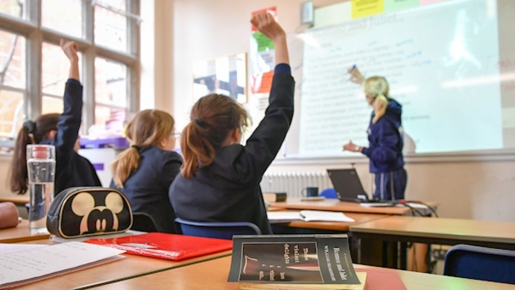 School staff unions raise concern over partially keeping schools open