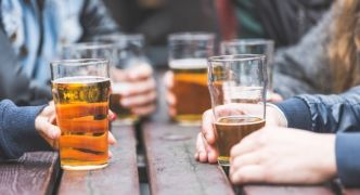 Government May Tell Local Authorities To Allow Pubs Expand Onto Pavements
