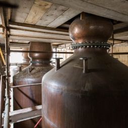 Irish whiskey following scotch's high-end strategy