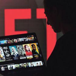 Strong outlook for Netflix amid battle for online market