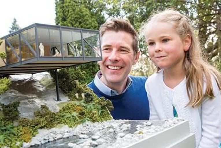 Dermot Bannon launches the annual RIAI Simon Open Door campaign with Jessica Walsh (aged 6) from Ranelagh Picture: Conor Healy