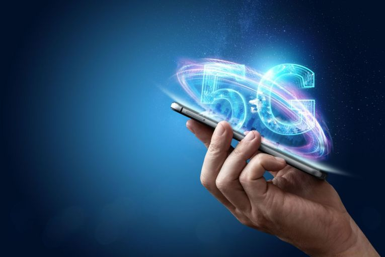 Analysis: Using DSS to speed up rollout will buy 5G providers time