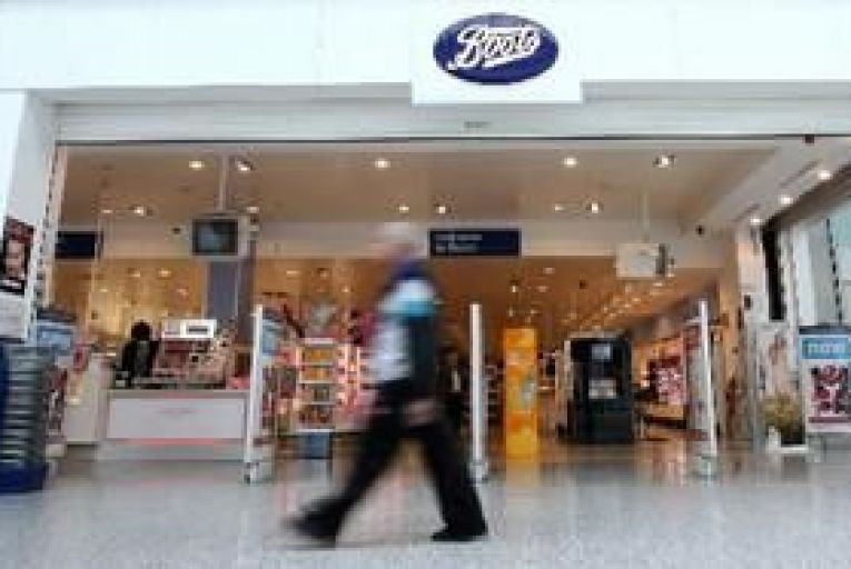 UPDATE: US chemist Walgreen buys 45% of Boots