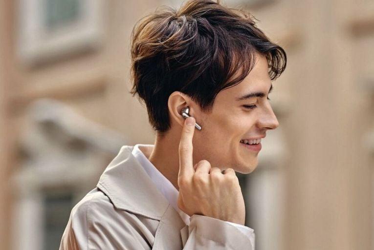 The Gadget Guru: Huawei Freebuds 4, Nama Vitality 5800, Ergoplax desk