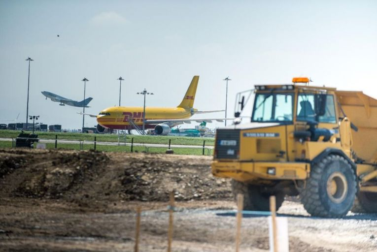 Dublin airport appeals planning for Meath homes over new runway noise concerns