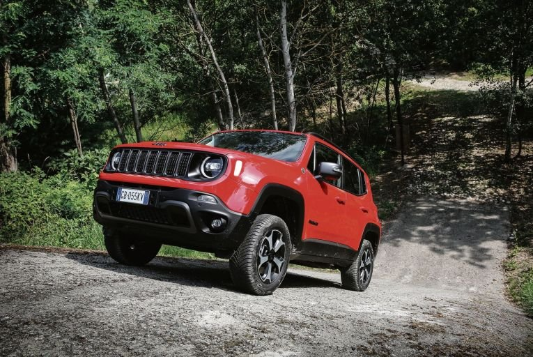 Jeep finally dips its tyres into electrification with Renegade 4xe