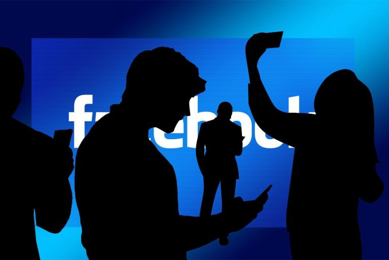 Facebook gifted $360m-plus in shares to staff