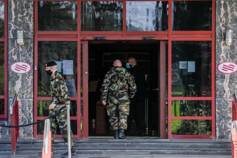 Donnelly to insist on hotel quarantine list changes despite FG opposition