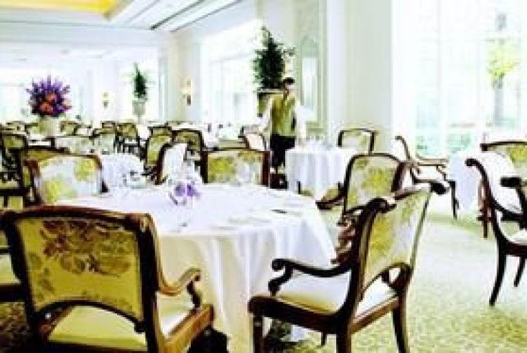 Restaurant: Food for all Seasons