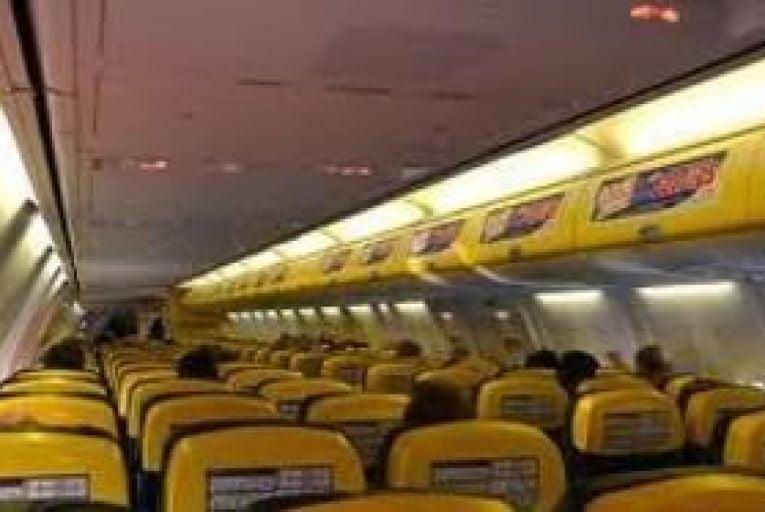 Ryanair hits passengers with baggage price hike