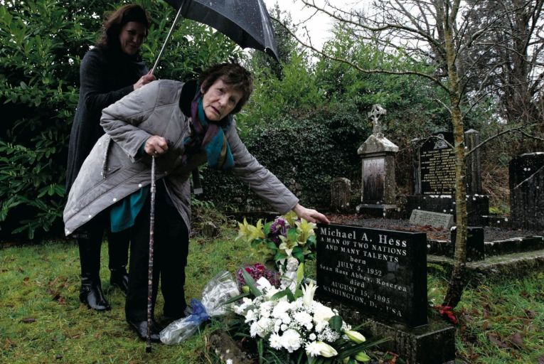 Philomena Lee and her daughter Jane Libberton at the graveside of her son Anthony Lee (Michael Hess), who was lost to her by forced adoption in the mid 1950s. Picture: Photocall Ireland