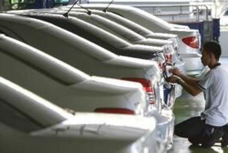 10.2% increase in private cars licensed in October