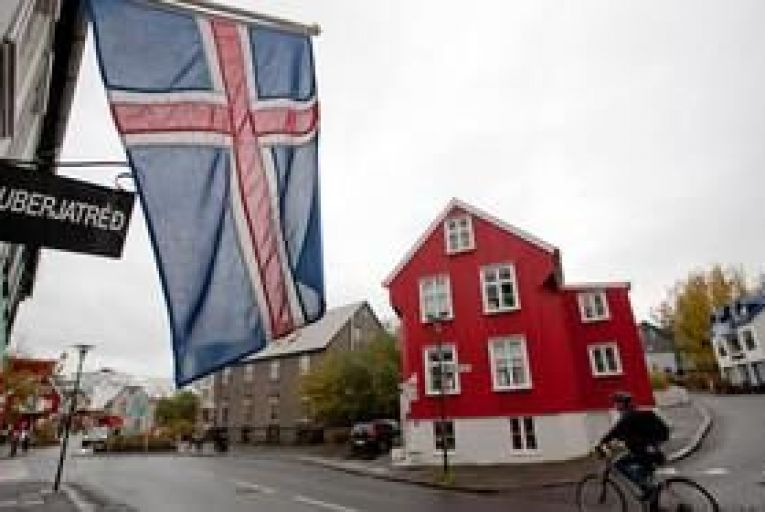 Iceland's Arion Bank plans return to the markets