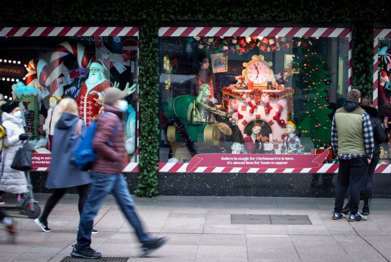 Henry Street Dublin, retailers are appealing to the government for advance clarity on whether they will be able to trade in the weeks coming up to Christmas. Credit: Fergal Philips