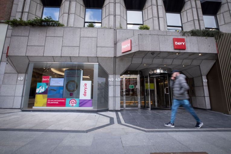 Davy Stockbrokers 'likely to' fetch up to €400m when sold