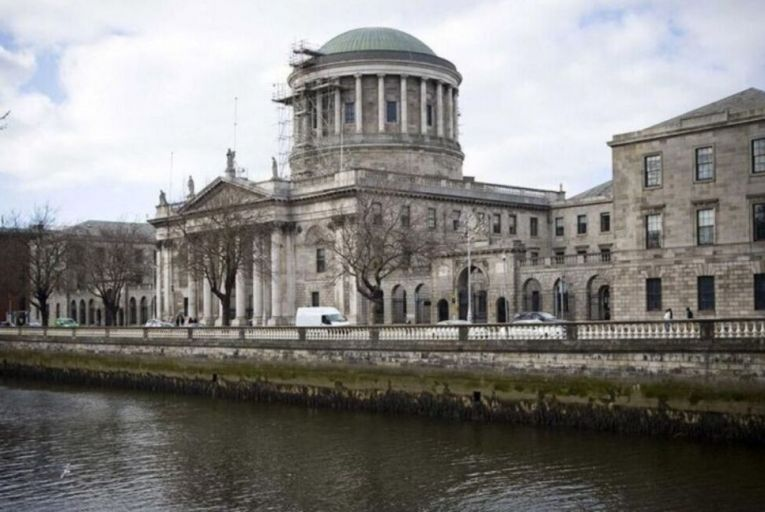 High court challenge to ban on asylum seeker driving licences